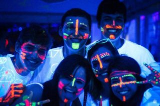 Glow Party at Acamps Summer Festival: an awesome multicolored experience